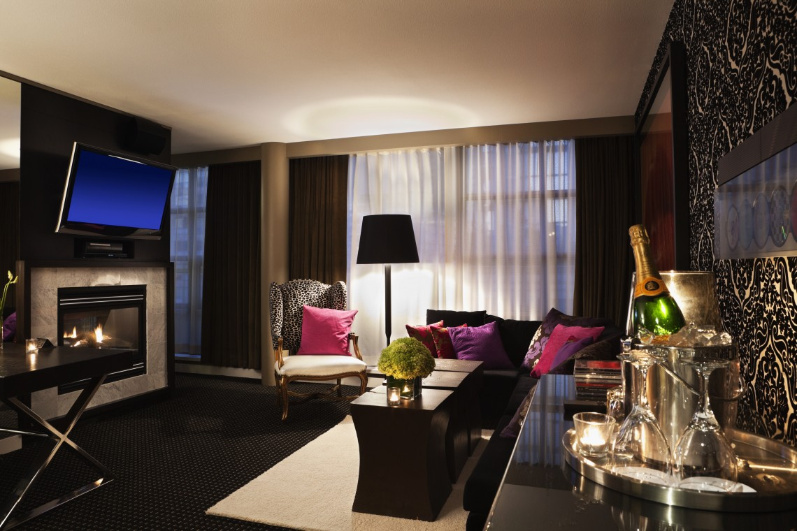 Dede Signature Suite Living Rm
